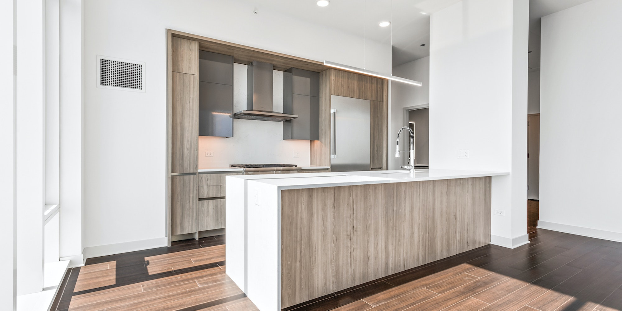 Wolf Point East 5801 PH 4